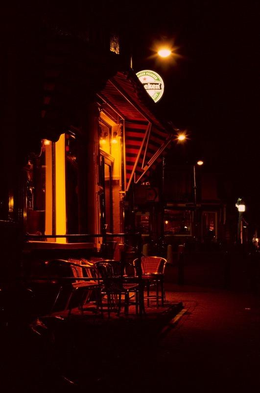 Glasbierhaus in romantischer Abendstimmung, Amsterdam, Juni 2006