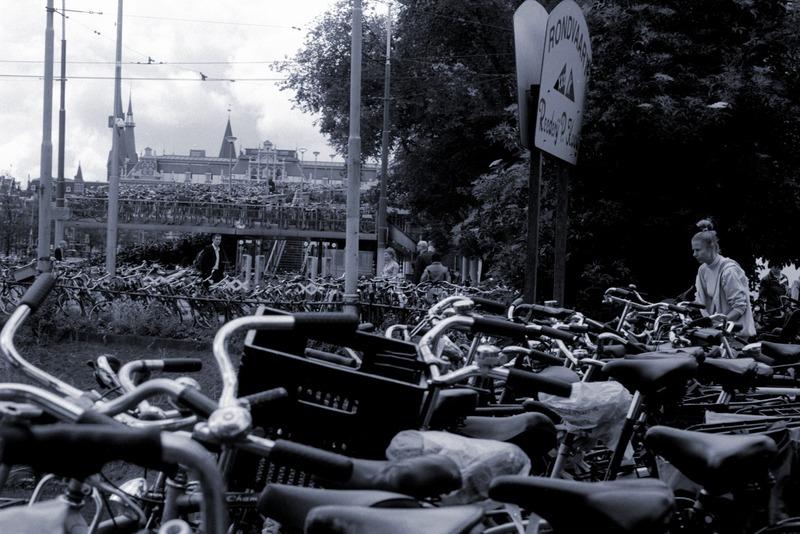 Fahrräder vor dem Hauptbahnhof