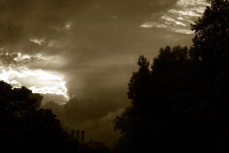 Wolkenlücke von der Franklinstrasse aus